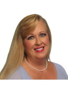 Carrie Vigliotti of CENTURY 21 Randall Morris & Associates