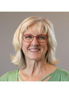 Christine Barrows of CENTURY 21 Signature Real Estate