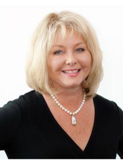Denise Fox of CENTURY 21 Beutler & Associates