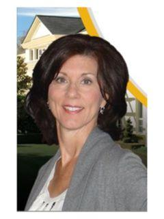 Lisa Schroeder Managing Broker of CENTURY 21 Lakeview Realty