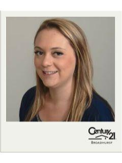 Lauren Castellano of CENTURY 21 Broadhurst