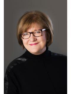 Sharon Bulmann of CENTURY 21 Scheetz