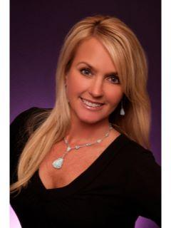 Kelli Gambill of CENTURY 21 Four Seasons Realty