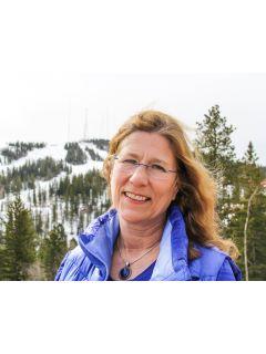 Linda Derosier