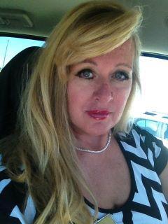 Carrie Vigliotti of CENTURY 21 Diamond Realty, Inc.