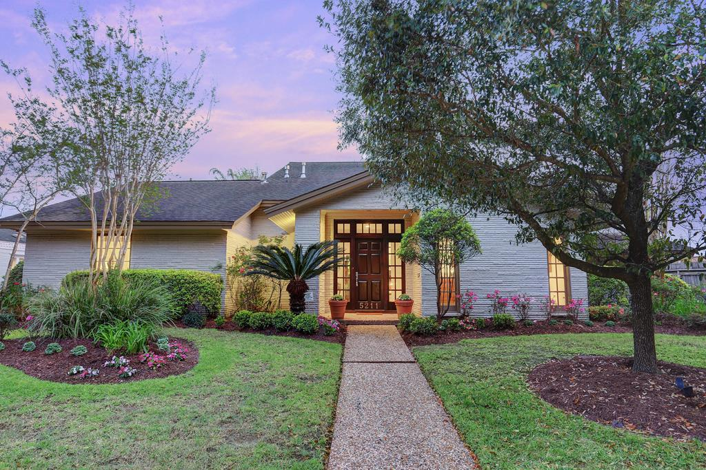 5211  Braesvalley Drive, 20 - Bellaire South