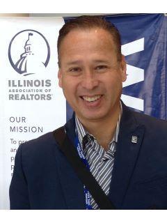 Julio E Lopez