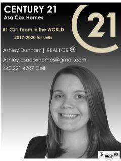 Ashley Dunham of Asa Cox Homes Team Photo