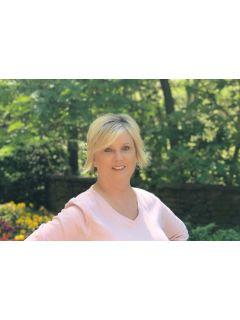 Sandra Jarrett from CENTURY 21 Lindsey & Pauley