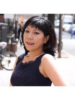 Elizabeth  Han Photo
