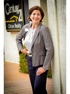 Linda Dominguez from CENTURY 21 Adams & Barnes