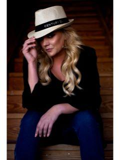 Stefanie Greenwood Photo