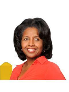 Gwendolene Newton of SAG REAL ESTATE PARTNERS Photo