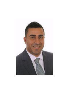 Mike Ismail of Dave Abdallah Team Photo