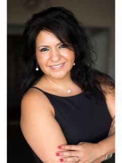 Monica Famoso Photo