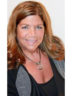 Victoria Commender Photo