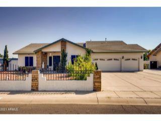Property in Glendale, AZ thumbnail 2