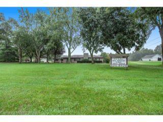 Property in Davisburg, MI thumbnail 3