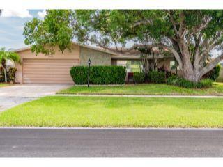 Property in Largo, FL thumbnail 4