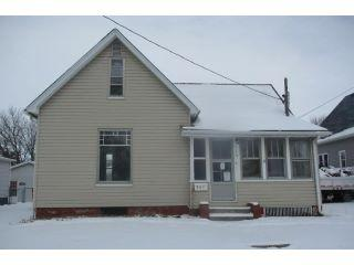 Property in Canton, IL thumbnail 3