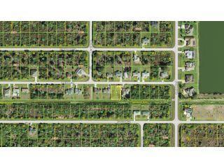 Property in Port Charlotte, FL 33981 thumbnail 2