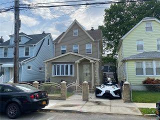 Property in Cambria Heights, NY thumbnail 6