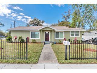 Property in Daytona Beach, FL thumbnail 6