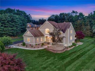 Property in Middlefield, CT thumbnail 3