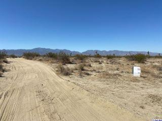 Property in Palmdale, CA thumbnail 4