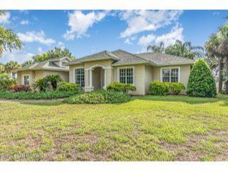 Property in Mims, FL thumbnail 5