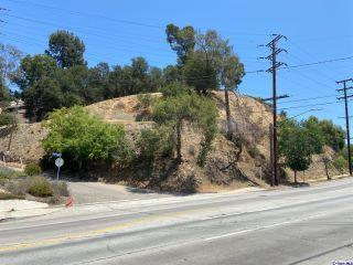 Property in Los Angeles, CA thumbnail 4