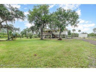 Property in Mims, FL thumbnail 4