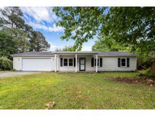Property in Raeford, NC thumbnail 2