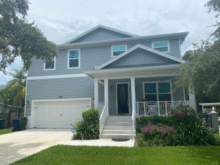 Property in Tampa, FL thumbnail 5