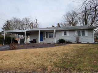 Property in Hillsboro, IL thumbnail 5