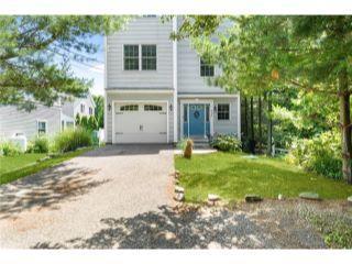 Property in Narragansett, RI thumbnail 1