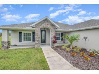 Property in Mims, FL thumbnail 3