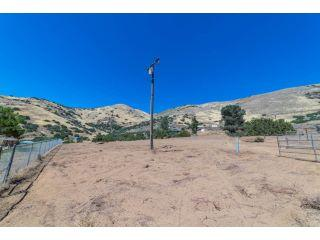 Property in Acton, CA thumbnail 6