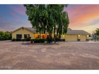 Property in San Tan Valley, AZ 85140 thumbnail 0