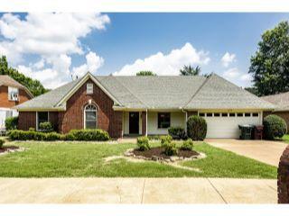 Property in Collierville, TN thumbnail 1