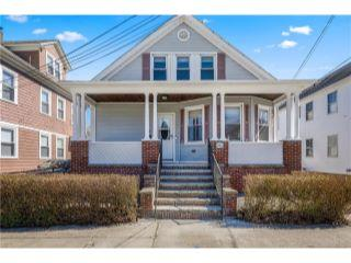 Property in East Providence, RI thumbnail 4
