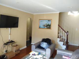 Property in Glen Oaks, NY 11004 thumbnail 2