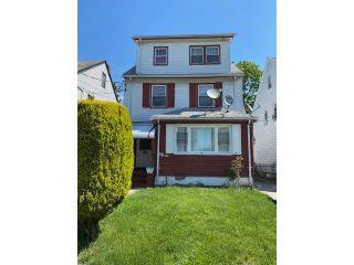 Property in Queens Village, NY thumbnail 3