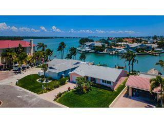 Property in Redington Shores, FL thumbnail 4