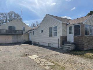 Property in Flint Township, MI thumbnail 5