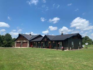 Property in Mountain Grove, MO 65711