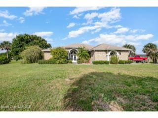 Property in Mims, FL thumbnail 6