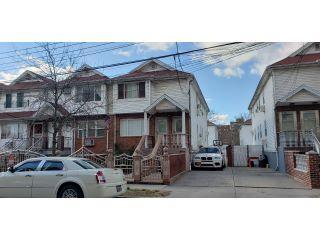 Property in Brooklyn, NY thumbnail 3