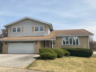 Property in Hickory HIlls, IL thumbnail 1