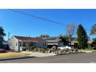 Property in Altadena, CA thumbnail 2
